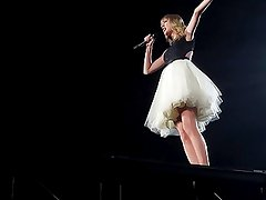 Taylor Swift performing in Detroit