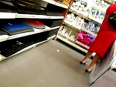 mature upskirt no panty in the store 3