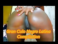 African slut on webcam dancing,fingering her gran culo ass!