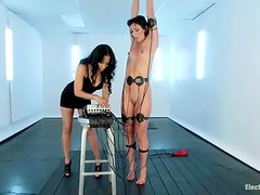 Slim Wenona gets tortured with electricity and toyed