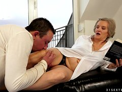 Filthy granny is getting dicked deep in her old pussy