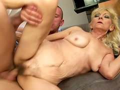 Incredibly horny granny rides on cock like a seasoned pro