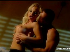Horny Blonde Chick Fucked In Wet Pussy