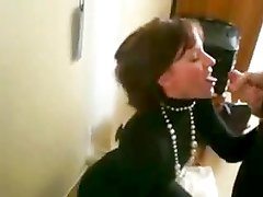 He's the boss - blowjob at work