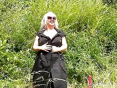 Blonde goth babes bbw flashing and outdoor exhibitionism