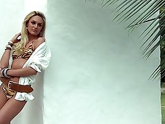 Candice Swanepoel - Vogue photoshoot, behind the scenes