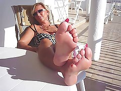 CUM ON LADY B FEET (by tm)