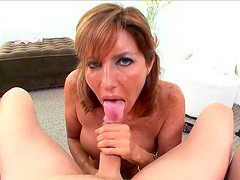 Slutty milf playing nasty in oral