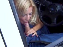 Amazing blond chick is getting that thick one in her muff