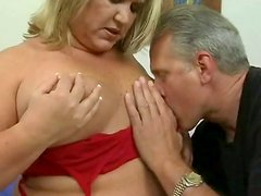 Kinky blonde BBW whore serves her fat pussy to thirsty dude