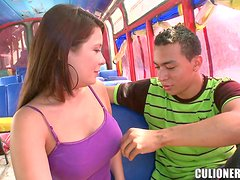 Chubby girl Fergie gets dicked in the bus