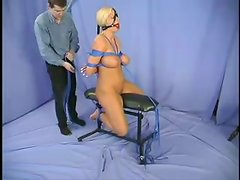 A tiny rope is rubbing Shauna's hot and wet twat