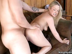 Tristyn Kennedy with smooth cunt is horny as hell and fucks