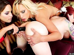 Amber Rayne is curious about eating