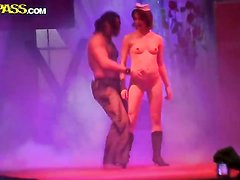 Sex starved seductress Nessa Devil gets covered in