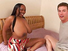 A fuckin' ebony slut sucks dick & gets stuffed