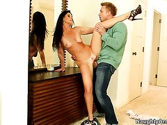 Exotic India Summer makes her sex dreams a come