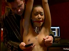 Horny chicks make hot show at the private party