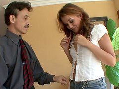 Torrid sexpot gives her neighbor one hell of a blowjob