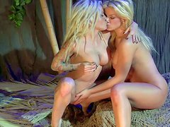 Helly Mae Hellfire and Adriana Sephora are perfect bodied lesbian