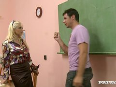 Blonde Teacher Leah Lush Fucked By Four Students