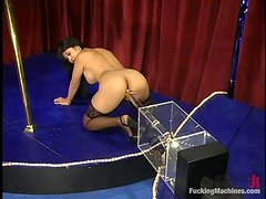 Asian stripper toys herself and then uses a fucking machine