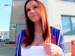 Lucky stranger gets his dick stroked by amateur babe outdoors