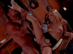 Curvaceous Vanessa Hill gets fucked in hardcore orgy