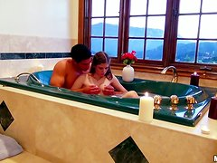 Sex in the bath tub with such a charming babe Laura