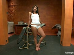 Alexa Jaymes gets her vag drilled by a fucking machine