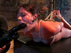 Thea Marie gets her vag rubbed with a rope and a dildo