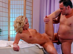 Gorgeous blonde Nicole Aniston with hot body and arousing make