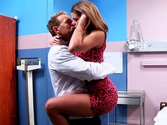 Breathtaking brunette gives her doctor the best blowjob of his life