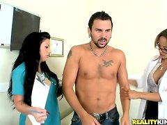 Gorgeous Mason Moore in an awesome and hot threesome.