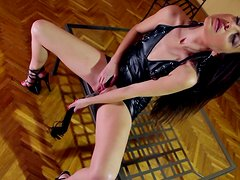 Brunette Lorena is fucking her snatch with dildo
