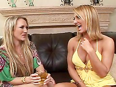 Kinky blonde milfs share a guy's thick cock in a threesome