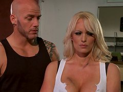 Horny Blonde MILF Gets Fucked By A Pussy Starved Hunk