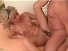 Milf blows him and gets fucked hardcore
