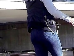 Candid - Teen Ass In Tight Jeans At The Train Station