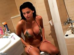 Pretty wench Aletta Ocean has fire in her