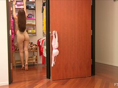 A smoking hot babe Laleh is going to strip off