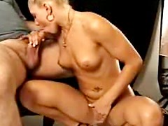 Pretty blonde cock gobbler in ponytail