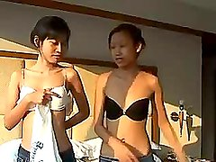 Innocent Thai cutey Saori 18 gets fingered
