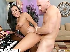 Brazzers - Gianna Nicole sucks her piano tutor
