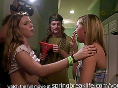 srping break house flashing real amateur teens