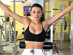 Hardcore Gym Action A Smoking Hot Brunette