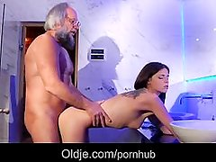 Horny brunette fuck bearded grandpa in the bathroom