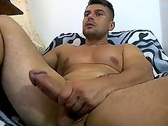 Romanian Bodybuilder Jack Off Big Dick on Cam