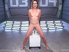 A Dildo Robot And A Squirting Pussy