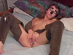 Petite Babe Solo In Her Room - Train Wreck
